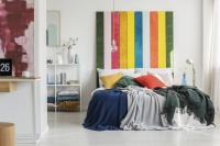 Wie malt man ein Kopfteil für ein Bett an die Wand?